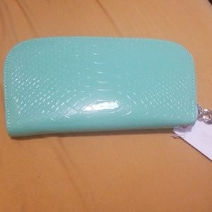 Handbags - Mint Green Faux Leather Snake Skin Pattern Wallet